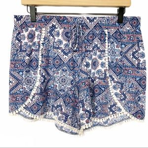 2/$15 Lace trim patterned soft stretchy shorts 1X